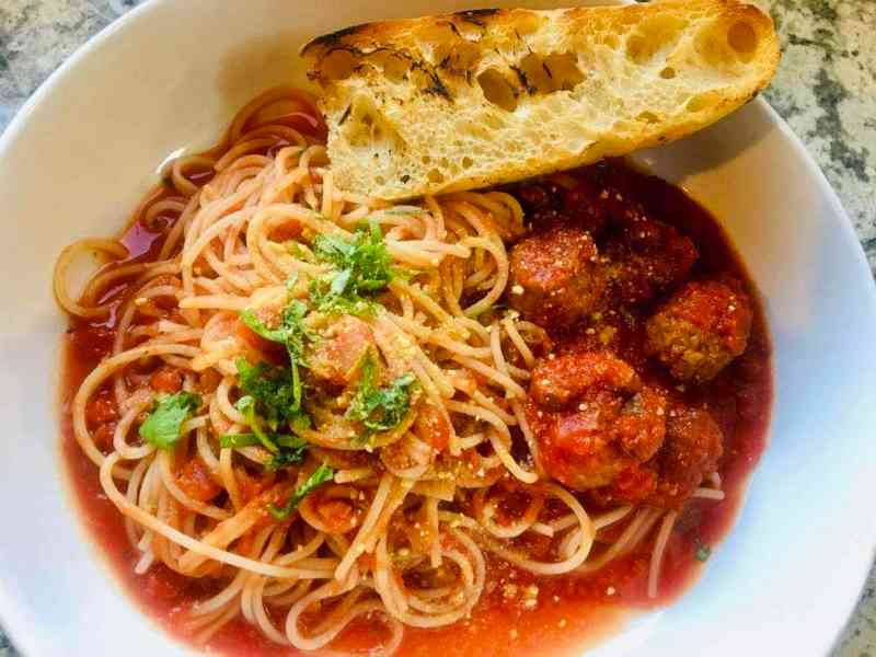 easy-vegan-spagetti-and-meatballs--1024x768 Vegan Spaghetti and Meatballs