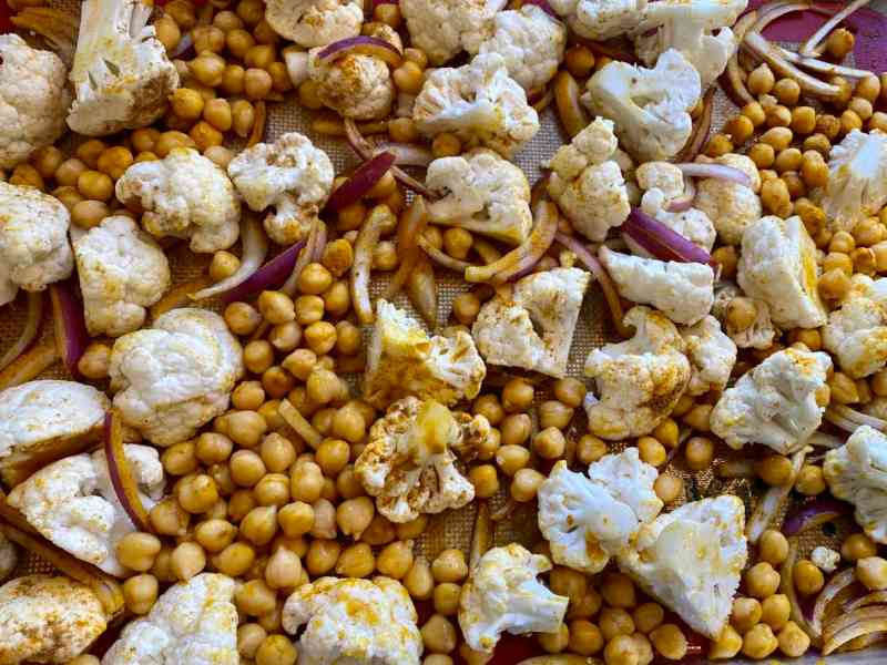 roasted cauliflower onions and chickpeas