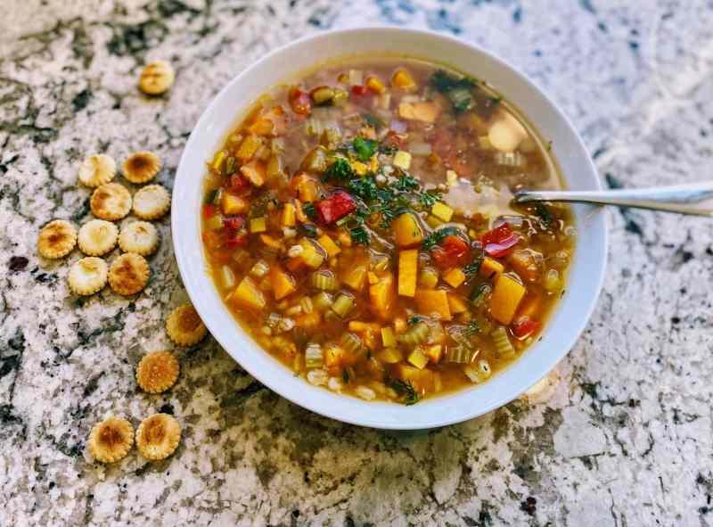 vegetale-barley-soup-with-crackers-1024x757 Vegetable Barley Soup