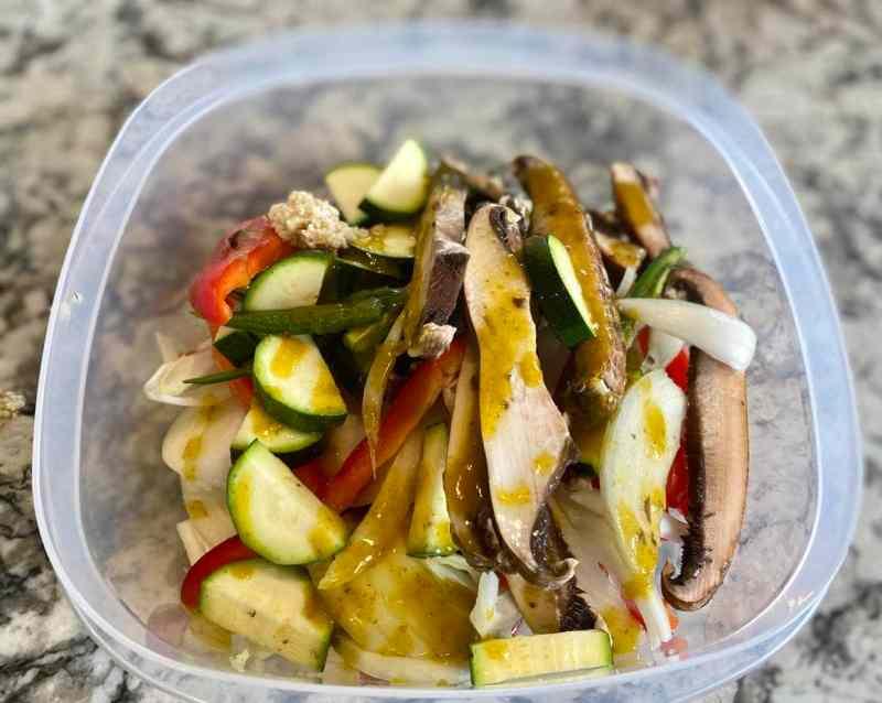 marinating vegan faijitas