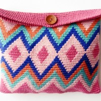 Aprende Tapestry Crochet: vídeo y patrón fácil para hacer un neceser en esta técnica de ganchillo