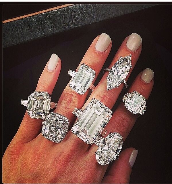 Gigantic Diamond Engagement Rings