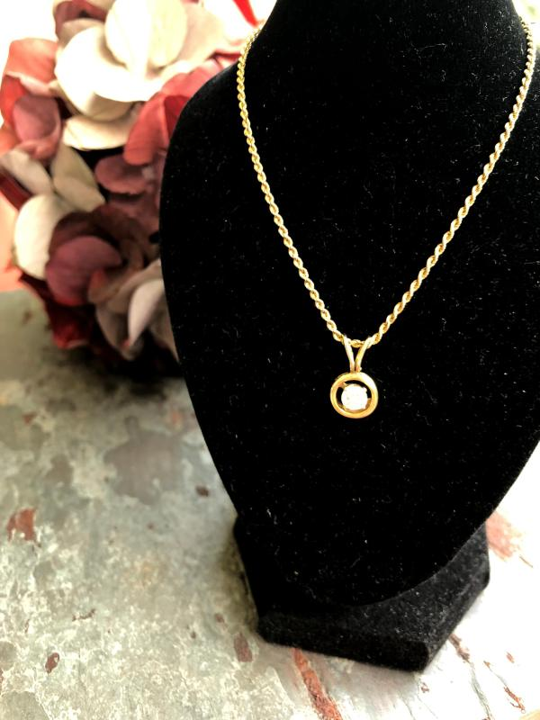 ESTATE 14KT YG DIAMOND PENDANT SOLITAIRE AND ROPE CHAIN (ESTATE)
