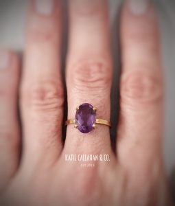 18kt Yellow Gold and Amethyst Solitaire Ring (Vintage)
