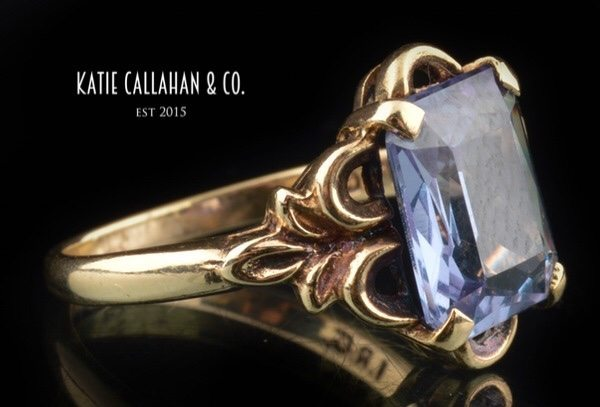 Emerald Cut Color Change Sapphire Retro Yellow Gold Ring (Vintage)