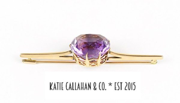 Amethyst (17cts) and 14kt Yellow Gold Brooch (Vintage)