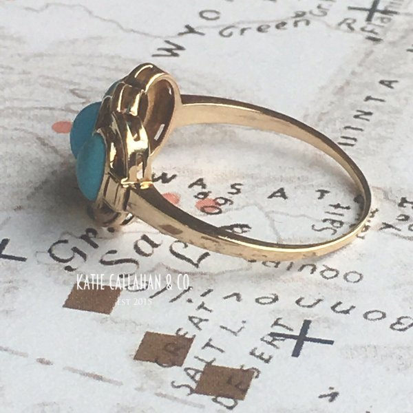Retro Modern 10kt Yellow Gold 3 Stone Turquoise Ring (Vintage)