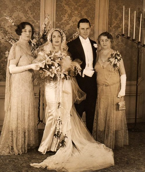 A History of Engagement Rings Vol. 6: The 1930's - Art Deco Wedding
