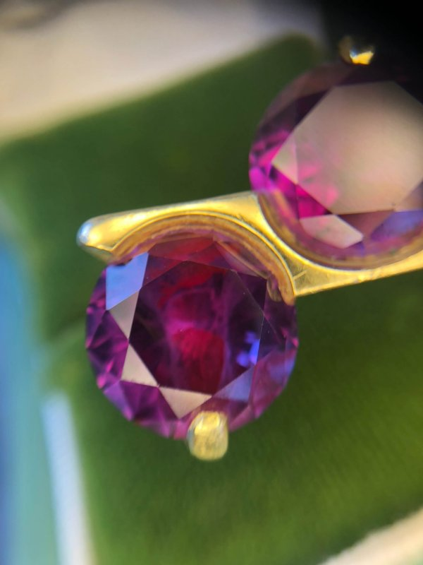 Modernist 18kt Yellow Gold Color Change Sapphire Bypass Ring (Vintage)