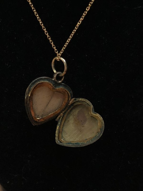 Vintage 14kt Yellow Gold Emerald Heart Locket Pendant