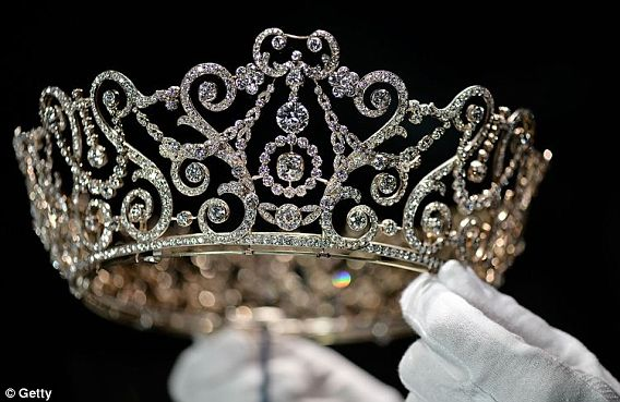 Royal British Tiaras: The Delhi Durbar Tiara