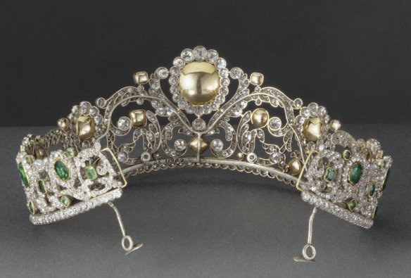 Duchess d'Angouleme Emerald And Diamond Tiara