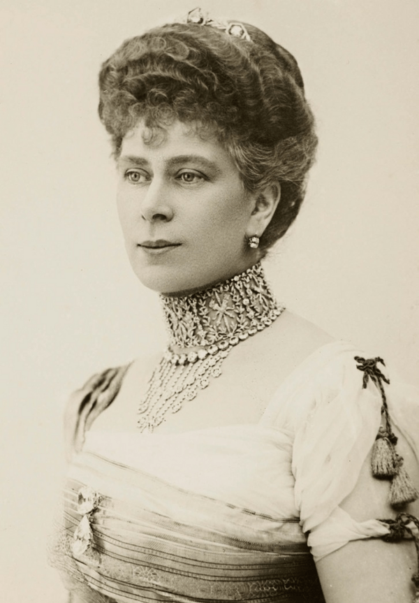 Queen Mary in her Laurel Wreath Bandeau