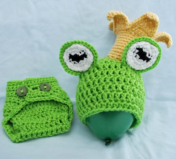 Newborn Photo Prop: Frog Prince by Hatt Street  on Katie Crafts