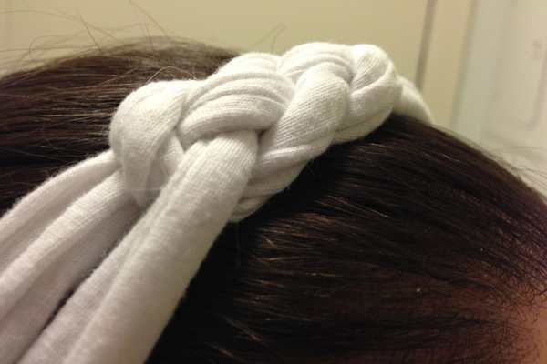 DIY Knotted Headband Tutorial by Katie Crafts; https://www.katiecrafts.com