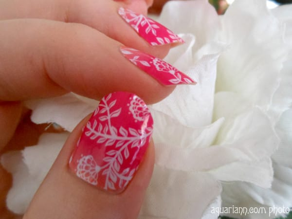 jamberry-nails-flower