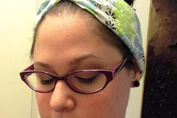 DIY Turban Headband Tutorial by Katie Crafts; https://www.katiecrafts.com