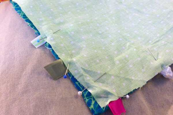 DIY Baby Play Mat with Tags Tutorial on Katie Crafts; https://www.katiecrafts.com