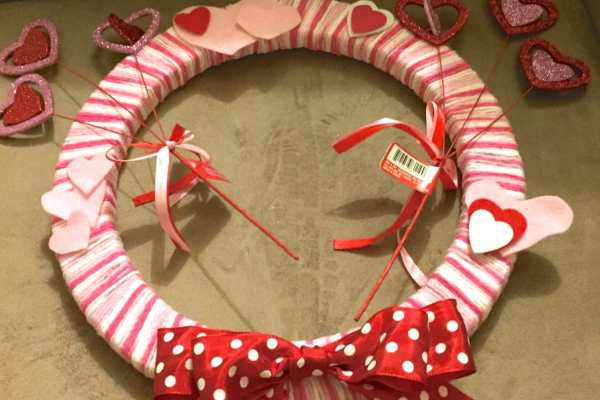 DIY Valentine's Wreath Tutorial by Katie Crafts; https://www.katiecrafts.com
