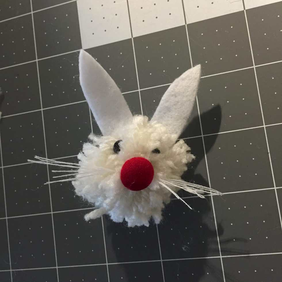 DIY Pom Pom Easter Bunny Tutorial by Katie Crafts; http://www.katiecrafts.com