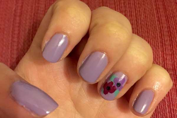 Quick Spring Nail Art + Giveaway! on Katie Crafts; https://www.katiecrafts.com