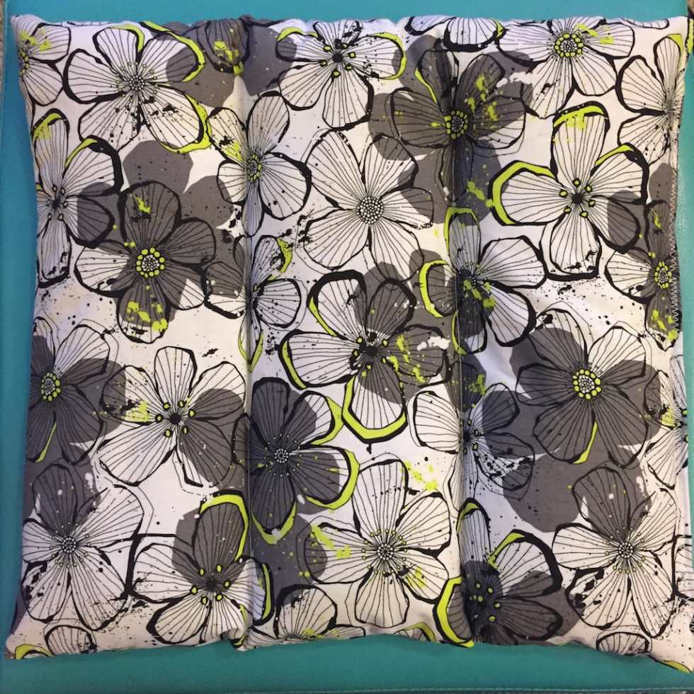 DIY Heating Pad Tutorial by Katie Crafts; http://www.katiecrafts.com