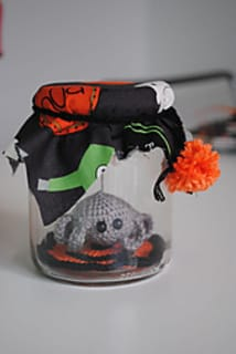 5 Halloween Crochet Patterns on Katie Crafts; http://www.katiecrafts.com