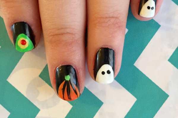 Boo-tiful Halloween Nail Art Tutorial by Katie Crafts; https://www.katiecrafts.com