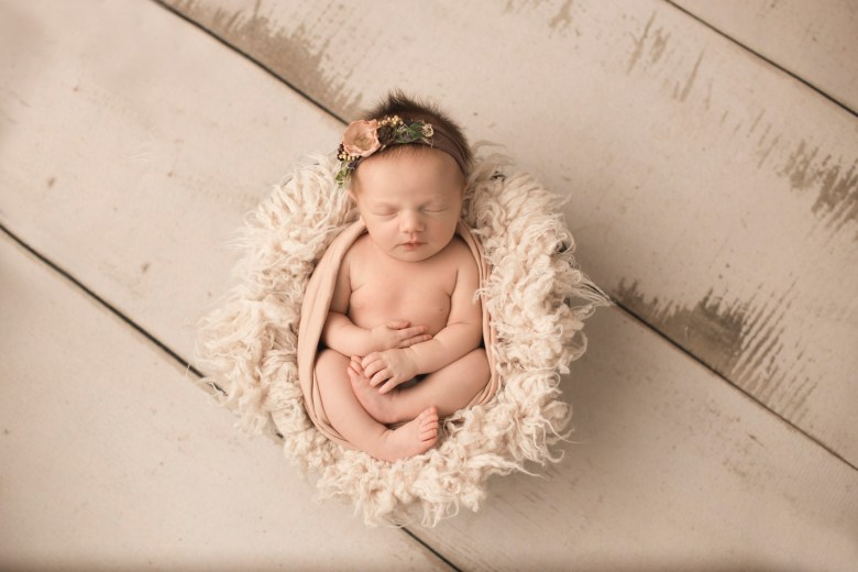 Newborn photographer Milwaukee