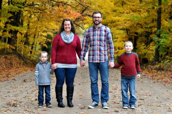 Family of four fall photo by Katie M. Reid photography
