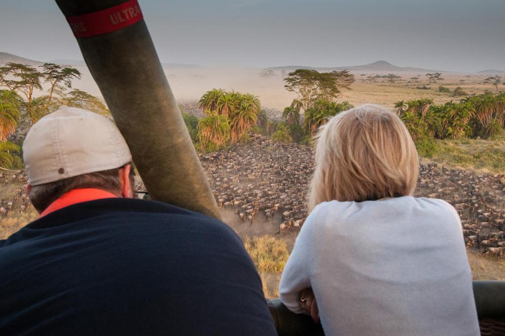 Wildebeest Migration Viewing From the Sky, Serengeti balloon safari