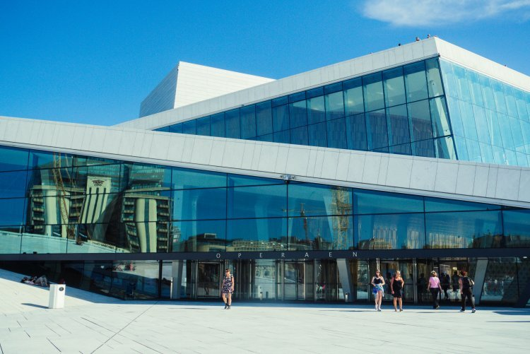 Image of the glass entrance exterior of Oslo Opera House in Norway