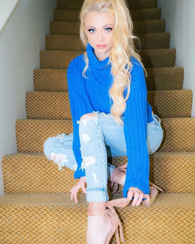 Wait up! Lemme tie my shoe!  outfit: @fashionnova makeup: @tartecosmetics hair: @bellamihair