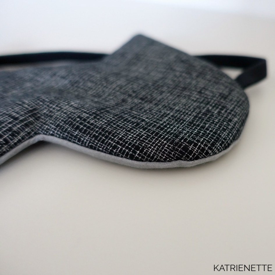 slaapmasker katslaapmasker kat kattenoren katoren naaipatroon patroon howto tutorial sleeping mask eye cat ears sewing pattern katrienette simple gift cadeau kado kadootje travel reis reizen