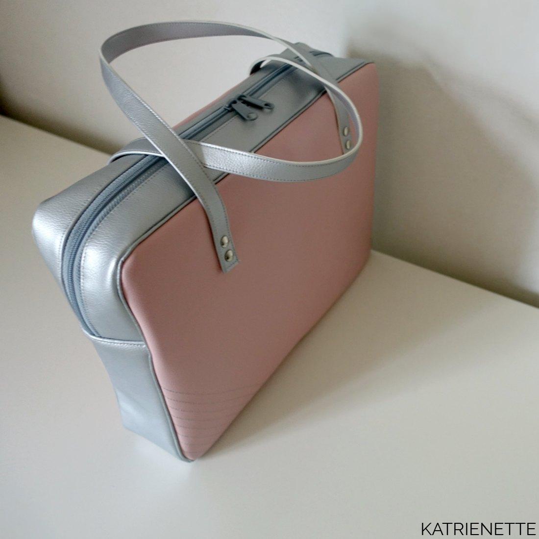 katrienette ida mijn tas naaien sewing bags bag tas let's sti(c)k together stik ls2gether stik belgique kunstleer k-bas kbas rivetten holnieten stik-belgique margueritte michael miller werktas laptoptas laptop laptopbag