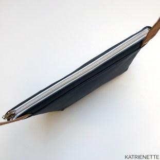 Katrien Katrienette Elize II twee boek mijn tas 2 handtas crossbody rits kunstleer faux leather straps leren lederen riem hengsel paspel piping
