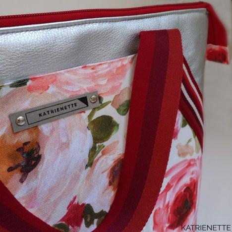 Katrienette KATRIENETTE Mathilda II 2 twee mijn tas zomer bloemen zilver kunstleer bodem paillet pailletten canvas handtas naaien patroon boek tassenband pailet simileer toverstof summer shine shiny workshop