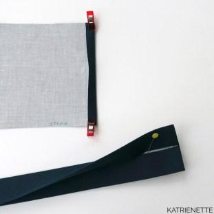 katrienette handtas naaien handbag crossbody schouderriem twee stoffen katrien riem tutorial techniek technieken fiche how to how-to sew naaien strap straps faux leather biais naai maak hengsel