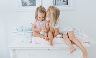 Bath Time Routine for Toddler Siblings