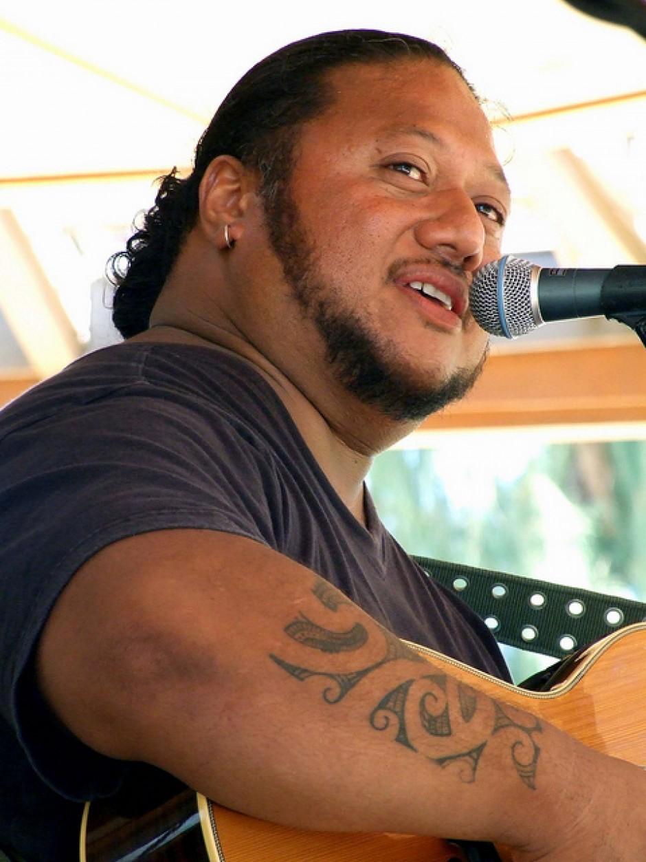 LT Smooth  Kauai Solo Artist  Musician  Singer