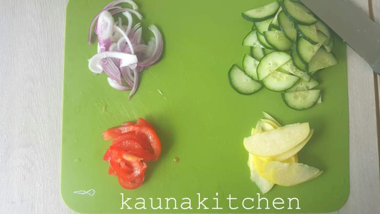 cucumber apple salad