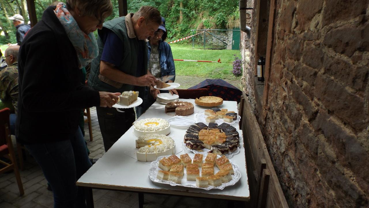Kaffee und Kuchen nach dem Angeln
