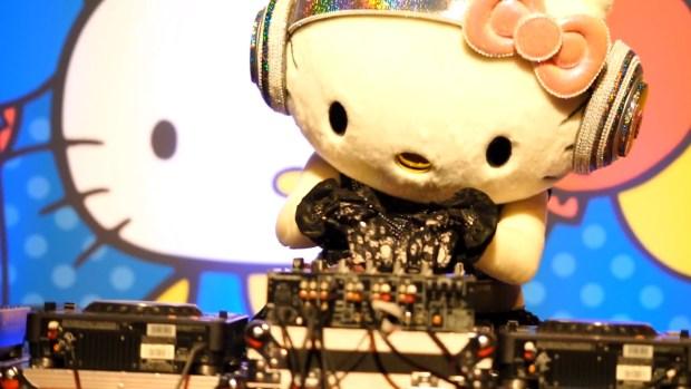 Hello Kitty s Birthday Party! [2016.11.01].00_01_35_13.Still018