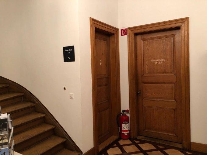 トイフェルホフホテルのルームドア