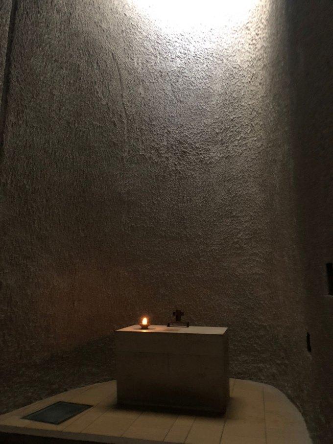 ロンシャン礼拝堂-光井戸