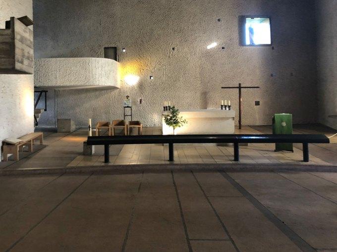 ロンシャン礼拝堂-祭壇