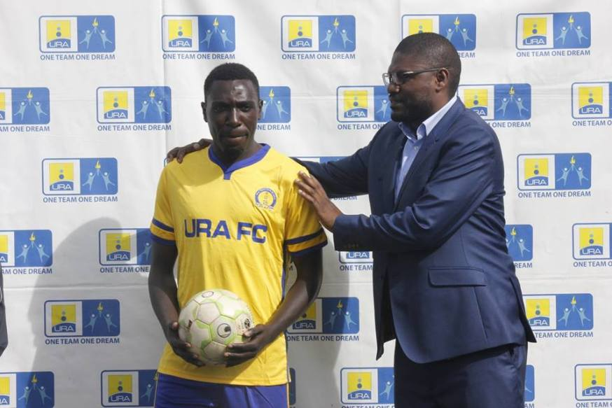 Dead ball specialist passes on #Uganda Jimmy Lule at his unvieling ceremony