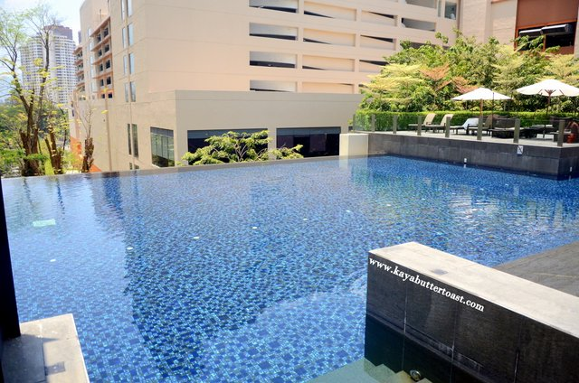 Invited review saturday sunday sausage sizzle promotion g pool bar g hotel gurney penang for Gurney hotel penang swimming pool