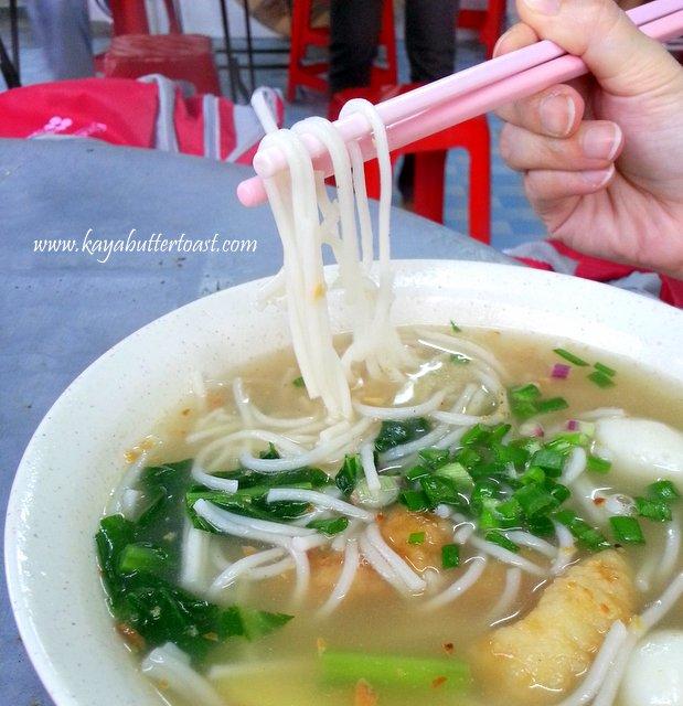 Famous Sungai Dua Fish Meat Bee Hoon, Tom Yam & Bah Kut Teh Stall @ Sungai Dua, Penang (9)