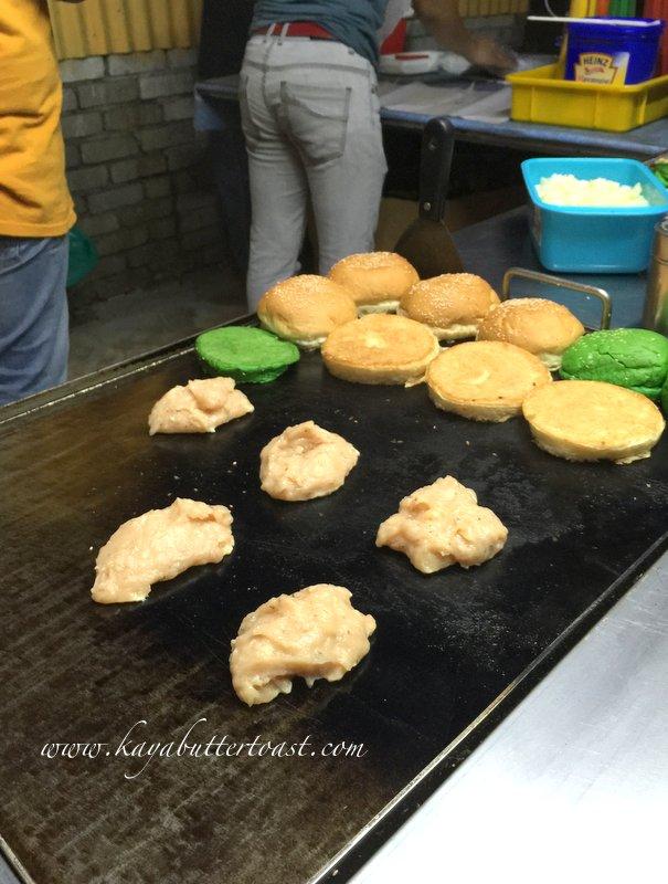 Clash of Clan Spoof Burger aka COC Burger @ Jalan Lembah Permai, Tanjung Bungah, Penang (8)